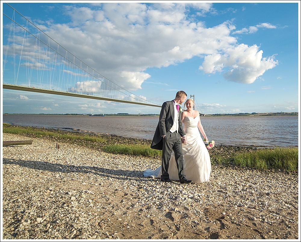 Humber Bridge, bride and groom